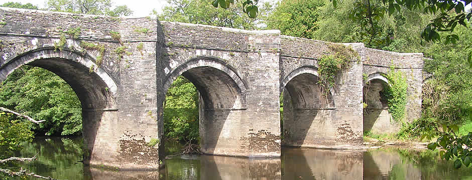 The ancient bridge across the River Tamar